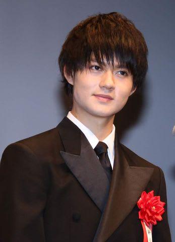 「第28回日本映画批評家大賞」授賞式に出席した佐野勇斗さん