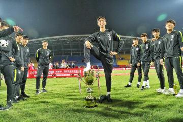 「パンダカップ」表彰式での韓国選手の侮辱行為を非難 中国サッカー協会