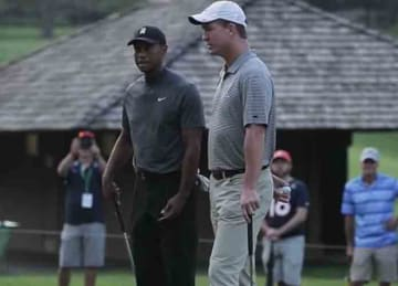 Tiger Woods & Peyton Manning play golf together at Memorial Tournament