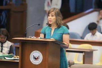 外交委の委員長を務めるレガルダ上院議員(フィリピン上院提供)