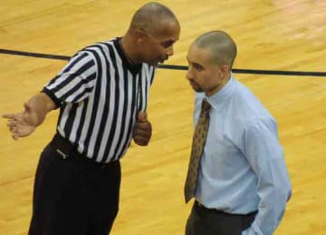 Description: English: VCU head coach Shaka Smart speaks with an official at a game against the University of Virginia on November 12, 2013 Date 13 November 2013, 07:15:44 Source: Own work Author: Rikster2 (Wikipedia)