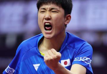 張本智和が8強入り、卓球·中国オープン