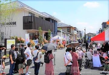 開業してにぎわう「上毛新聞マイホームプラザ TAKASAKI HOUSE COLLECTION」