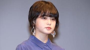 「第28回日本映画批評家大賞」の授賞式に出席した平手友梨奈さん