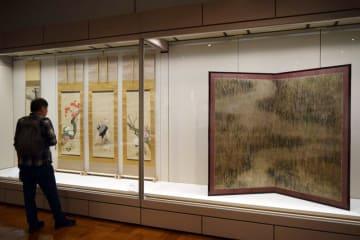 千葉市美術館と板橋区立美術館がコラボした「ちたばし美術館」の収蔵作品展=千葉市中央区の市美術館