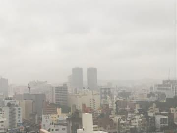 夕方から空が暗くなり、本格的な雨になりました。明日は天候回復するようです。