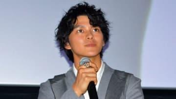 名古屋市内で開催された映画「小さな恋のうた」の公開記念舞台あいさつに登場した眞栄田郷敦さん