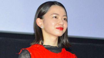 名古屋市内で開催された映画「小さな恋のうた」の公開記念舞台あいさつに登場した山田杏奈さん