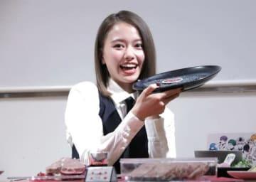 「東京喰種トーキョーグール:re」のコラボカフェ「東京喰種:re CAFE」の内覧イベントに来場した山本舞香さん