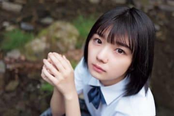 「週刊少年マガジン」第27号に登場した「欅坂46」の藤吉夏鈴さん