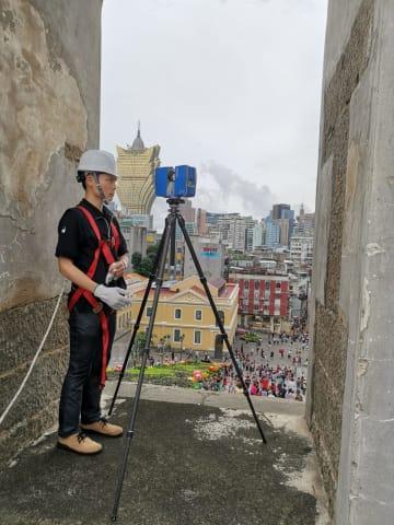 聖ポール天主堂跡へのドローン接触を受けて実施された検査の様子=2019年6月5日(写真:ICM)