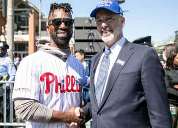 Description: English: Andrew McCutchen of the Philadelphia Phillies shakes hands with Pennsylvania governor Tom Wolf at a 2019 ceremony in Philadelphia. Date 16 April 2019, 13:40:45 Source...