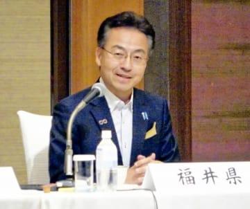 特急しらさぎの増便などの必要性を訴える杉本達治知事=6月5日、静岡市内のホテル