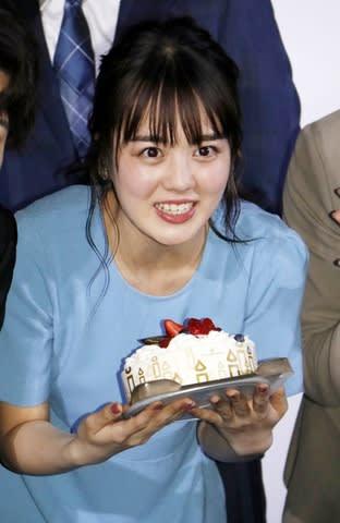 主演映画「明治東亰恋伽」完成披露イベントに登場した伊原六花さん
