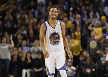 Steph Curry Sets NBA Single-Game Record With 13 3-Pointers