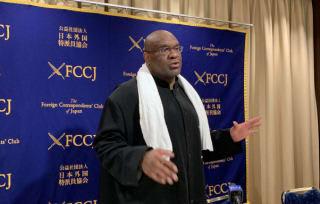 日本外国特派員協会にて講演を行なったボブ・サップ
