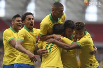 ネイマール不在のブラジルが7ゴールでホンジュラスを粉砕