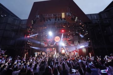 「鈴村健一 満天LIVE 2019 ~ぼくらの前夜祭・ぼくらの後夜祭~」ライブ写真(カメラマン:草刈雅之)
