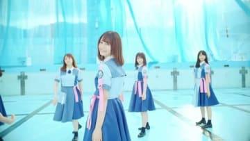 「日向坂46」の2枚目のシングル「ドレミソラシド」のミュージックビデオ