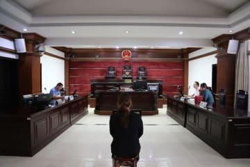 走行中の路線バスのハンドルを奪った乗客に懲役3年 湖北省咸寧市