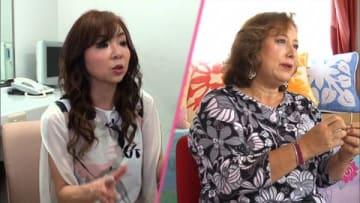 6月13日放送の「直撃!シンソウ坂上」に出演する「ハイヒール」のモモコさん(左)とキャシー中島さん(C)フジテレビ