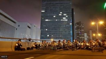 Police in Central. Photo: Tom Grundy/HKFP.