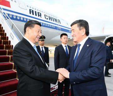習近平氏、キルギス公式訪問開始 SCO加盟国元首理事会出席へ