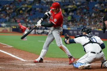 7回の第4打席で中前打を放ち日本人初のサイクル安打を達成したエンゼルス・大谷翔平【写真:Getty Images】