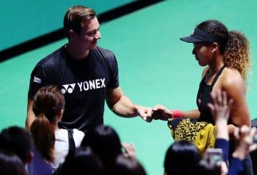 2018年「BNP パリバ WTAファイナルズ・シンガポール」でのバジンコーチと大坂なおみ