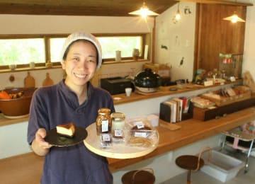 杵築市大田小野地区で古民家カフェ「まめのもんや」をオープンした菅しのぶさん