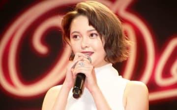 映画「Diner ダイナー」のジャパンプレミアの舞台あいさつに登場した玉城ティナさん