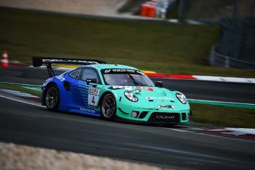 SP9クラスに出場するポルシェ 911 GT3