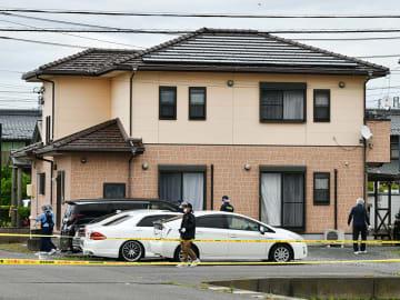 男性が現金約1000万円の入った袋を奪われた現場=15日午前11時59分、羽島市福寿町平方