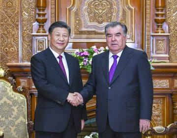 習近平主席、タジキスタン大統領と会談 協力の全面的深化を強調