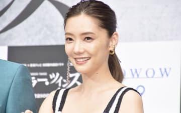 WOWOWの連続ドラマ「ミラー・ツインズSeason2」の完成披露試写会に出席した倉科カナさん