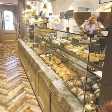 新規事業のパン屋「ブロット ヤナギ」