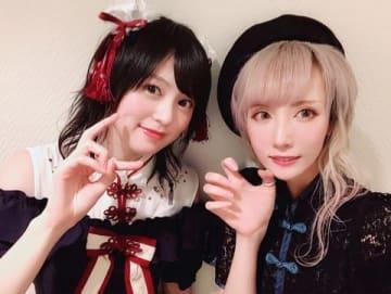 中島由貴さん(左)と青木志貴さん