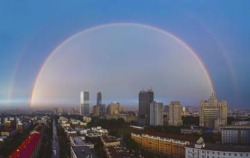 空を彩る二重の虹 吉林省長春市