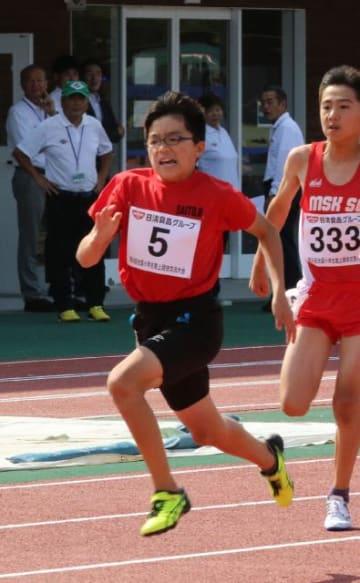 【男子100メートル6年決勝】力強い走りで2連覇を達成した鬼束康平(西都)