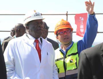 ジンバブエ大統領、議会議事堂の建設支援で中国に謝意