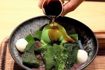 プルプル抹茶わらび餅とモチモチ白玉がたまらん!京都のあの老舗茶舗が手がける贅沢抹茶スイーツに夢中♪
