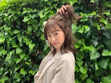 オフィシャルブログなどで公開された福原遥さんの茶髪姿