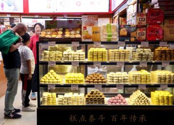 上海の「小吃天国」豫園夜市を訪ねて