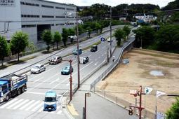 2026年度まで10年間の工事計画で耐震化が進むえるむ橋=福島