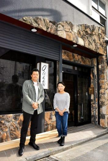 27日の開店を目指す加藤さん(左)と藁谷さん