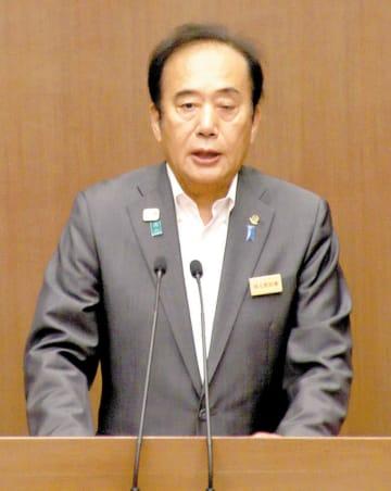 6月定例県議会開会日の提案説明で、現在の任期で退任することを改めて表明した上田清司知事=17日午前、県議会議事堂