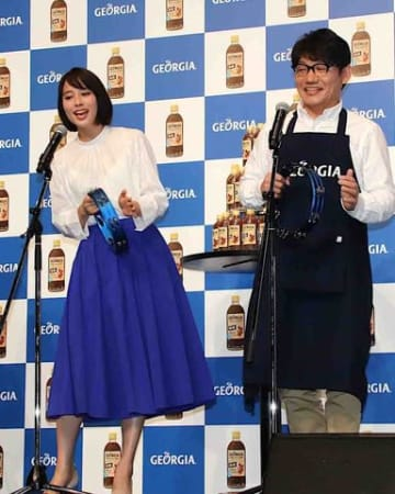 イベントに登場した広瀬アリスさん(左)と飯尾和樹さん