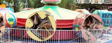 北海道留寿都村の遊園地ルスツリゾートカントリーランドのアトラクション「ツイスター」(ルスツリゾート提供)
