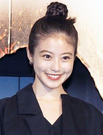映画「メン・イン・ブラック:インターナショナル」の初日舞台あいさつに登場した今田美桜さん