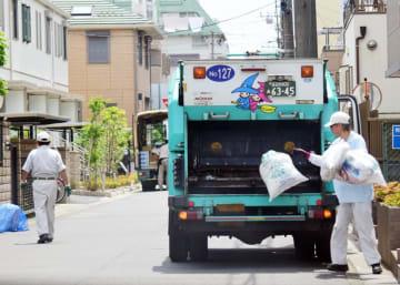 市川市では現在、可燃ごみを週2回回収している